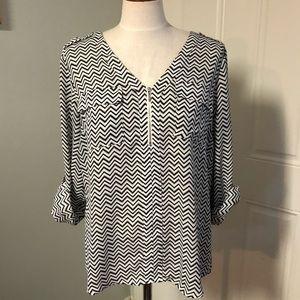 Chevron striped blouse White black zig zag
